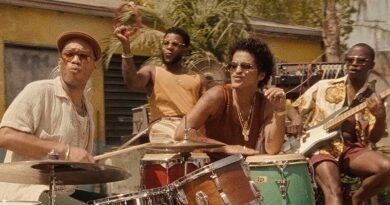Bruno Mars ft. Anderson .Paak & Silk Sonic – Skate (Official Music Video)